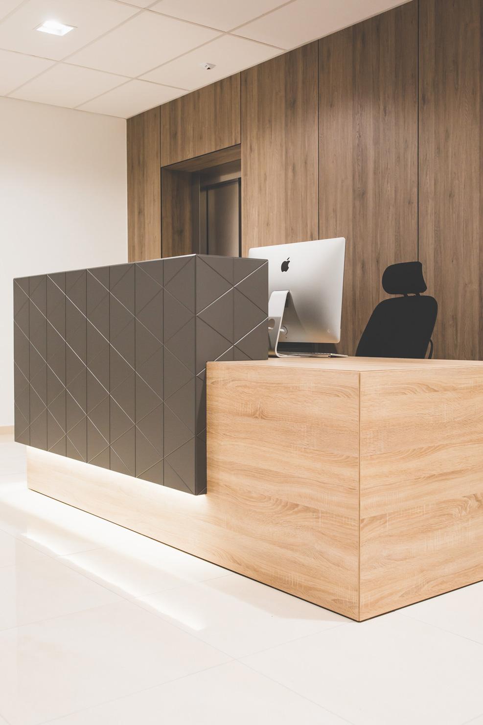 SOFA-SCORE-office-10