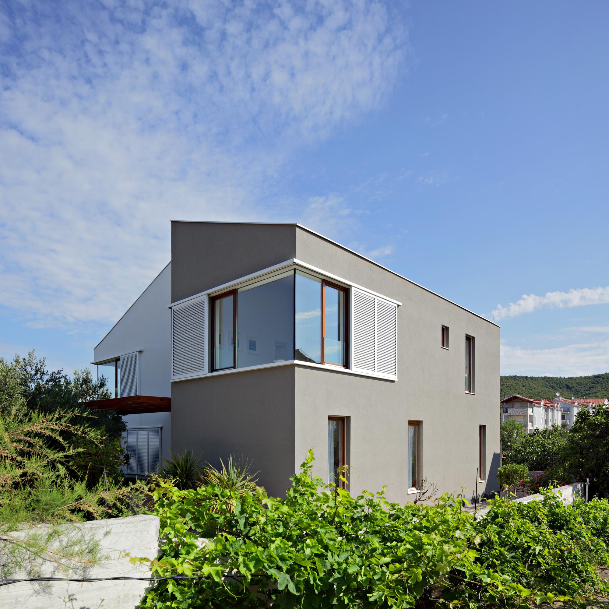 three-house-009